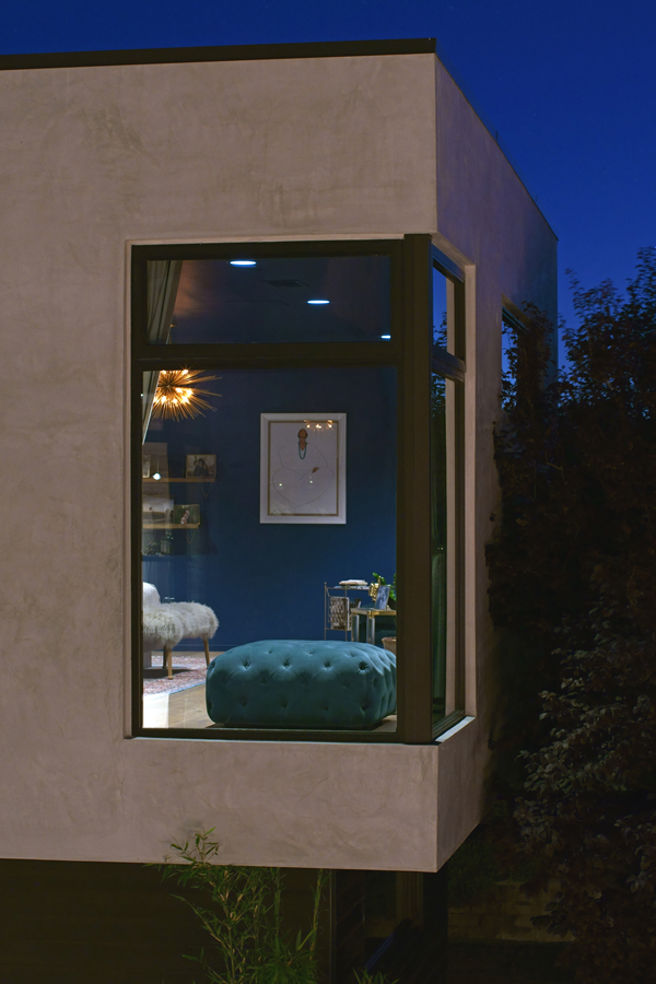 cantilever window